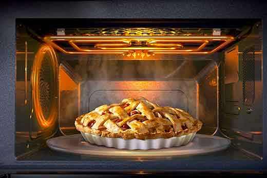 Immagine rappresentativa di un forno con all'interno un'apple pie